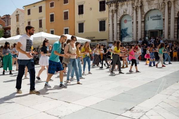 Flash mobom na Narodnom trgu najavljen je službeni program festivala KvART '19!